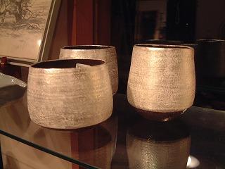 銀のカップ