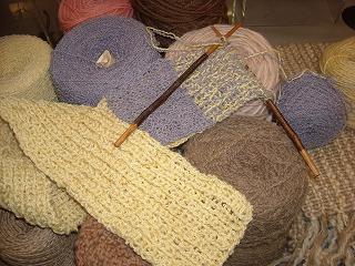 お箸で編み物