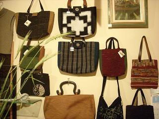 裂き織り・絣のバッグ