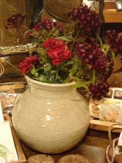 こころさんの壺と花