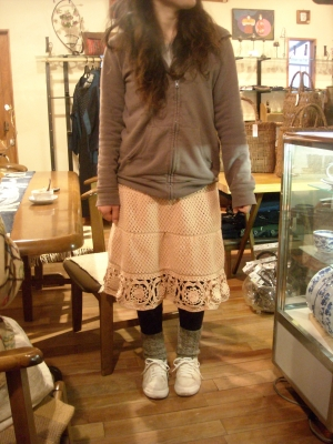 ミキちゃんスカートを編む
