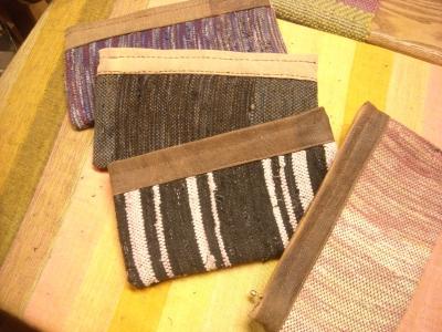 裂き織り財布